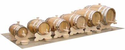 Mini wijnvat met ligbok en kraan